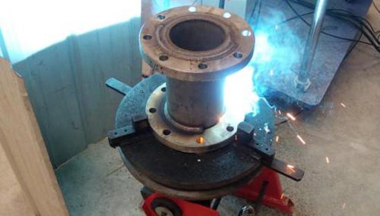 上弘焊接变位机应用于管法兰自动焊接